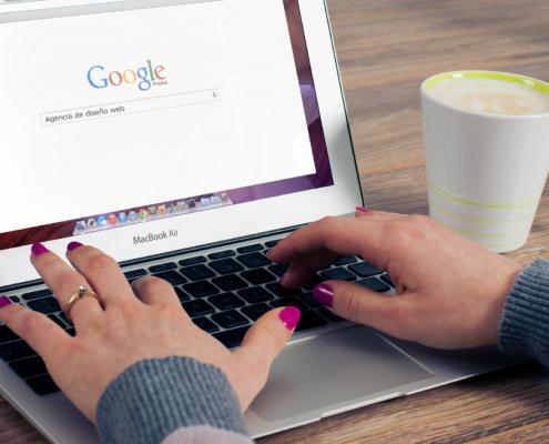 laptop web design